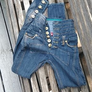 Apple bottom jeans in canada
